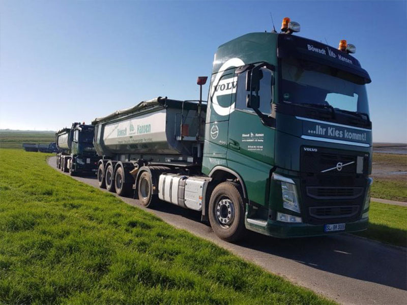 Zei Trucks der Firma Böwald Hansen