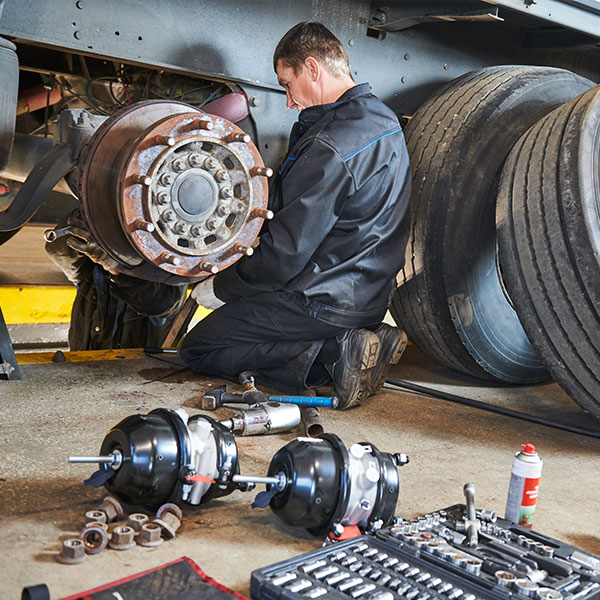 Truckservice in Großenwiehe - geschulte Fachleute für deinen Truck